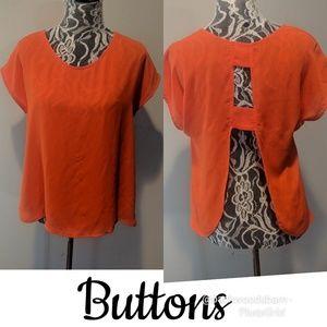 Buttons Top♥️Open Back